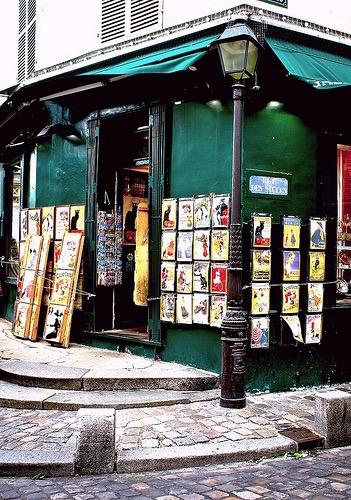 Big Poster Store Montmartre Paris